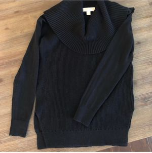 Like New • Michael Kors Black Sweater • Size: XS for Sale in Covina, CA