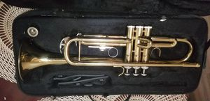 Gold trumpet +carry case +mouthpiece $100 for Sale in Pomona, CA