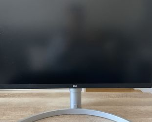 LG 27UK650-W 27 Inch 4K UHD IPS LED Monitor with HDR 10 and Adjustable Stand for Sale in San Francisco,  CA