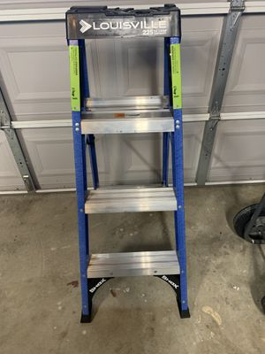 Brand New 4' blue Step Ladder. Never used .225 lbs Capacity .$45 Firm. for Sale in Chino, CA