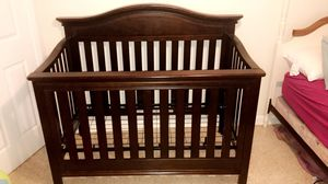 Simmons convertible baby crib ! for Sale in Orlando, FL