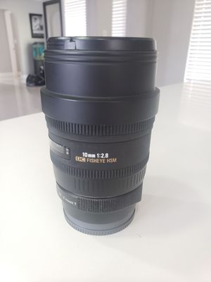 sigma 10mm fisheye canon mount lens 350$ for Sale in Hollywood, FL