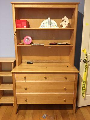5 Drawer Dresser made in Canada for Sale in Dania Beach, FL