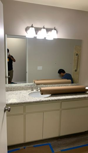 VANITY MIRROR AND LIGHTS for Sale in Escondido, CA