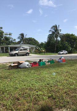 YARD SALE 1390 NE 39th ST Pompano 33064 for Sale in Pompano Beach,  FL