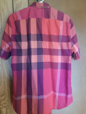 Camisa burberry L para hombre reducida es como M for Sale in Dallas, TX
