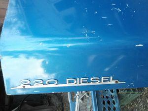 1979 Mercedes 220 Diesel TRUNK for Sale in Saint Paul, MN
