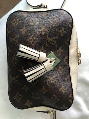 Louis Vuitton Saintonge Crossbody for Sale in Las Vegas, NV