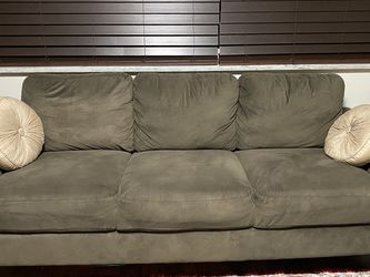 3 Piece Living Room Set for Sale in North Olmsted,  OH