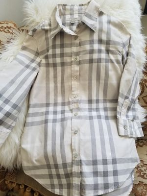 Burberry shirt for Sale in Jamul, CA