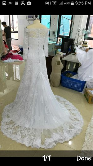 Never worn lace wedding dress $275 flat no bargains. for Sale in Riverside, CA