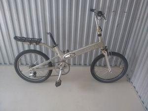 """Giant"" brand European ""halfway"" model folding bike for Sale in Edgewater, FL"