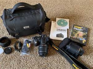 Nikon D5200 Camera for Sale in Alta Loma, CA