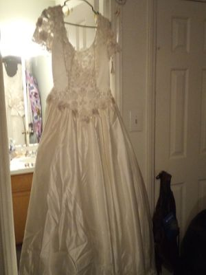 Wedding dress never worn for Sale in Havelock, NC