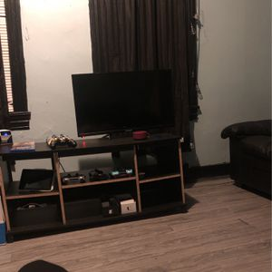 32 Inch Tv for Sale in Reading, PA