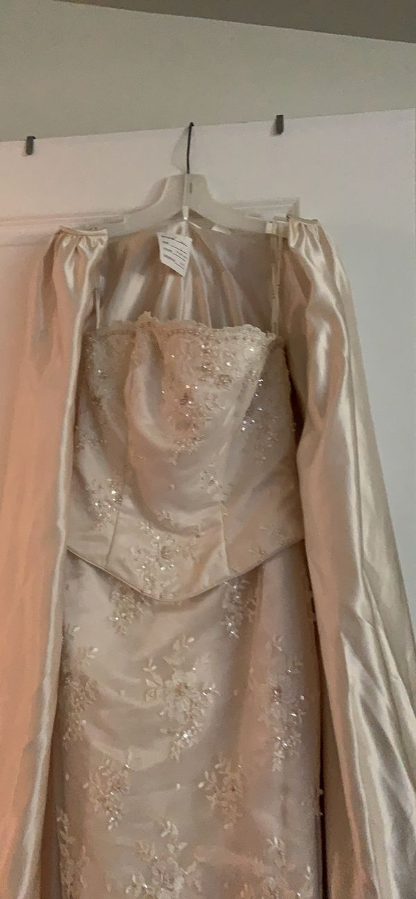 Wedding dress/ formal gown