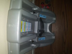 Car seat without stroller for Sale in Gulfport, MS
