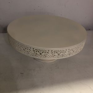 16 inches round lace edge cake or decor stand in Elegant Ivory Cream, Off-White for Sale in Redmond, WA