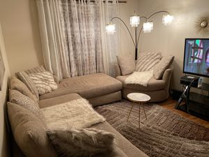 Sectional sofa for Sale in Smyrna, TN