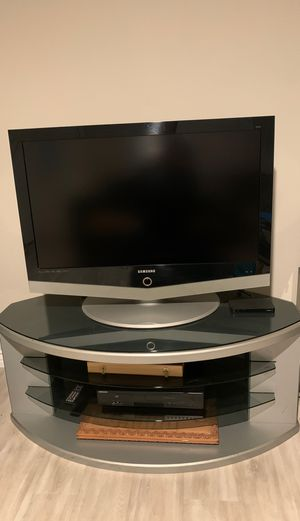 Samsung tv and stand for Sale in Los Angeles, CA