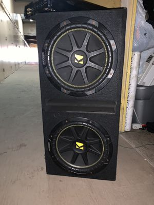 Speakers are kickers 12 inches and amplifier is a JL audio 360 W for Sale in Norwalk, CA
