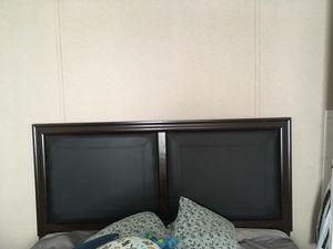 Bed frame / box spring for Sale in Harlingen, TX