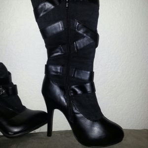 Knee High Boots Size 7 for Sale in Aurora, CO