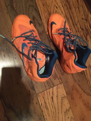 Lebrons size 6.5 for Sale in Port Richey, FL