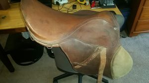 Borelli, English riding saddle 17in for Sale in Fort Walton Beach, FL