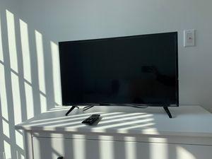 32 Inch Vizio TV for Sale in Los Angeles, CA