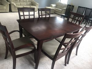 Dining table for Sale in Washington Crossing, PA