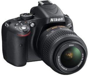 Nikon d5100 with 18-200 vr lense for Sale in Riverside, CA
