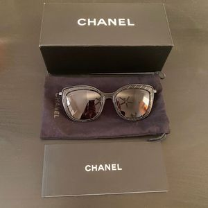 CHANEL 2019 Quilted Butterfly Sunglasses for Sale in Los Angeles, CA
