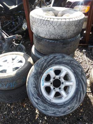 Rims and tires Mitsubishi Montero sport 2002 for Sale in Opa-locka, FL
