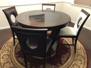 Dining table with 4 chairs for Sale in Ashburn, VA