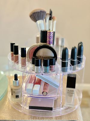 Rotating Makeup Organizer for your Vanity for Sale in West Palm Beach, FL