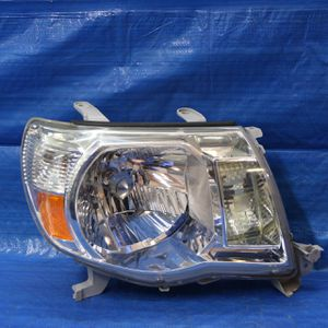 ✅ 2005-2011 Toyota Tacoma Headlight for Sale in Hollywood, FL