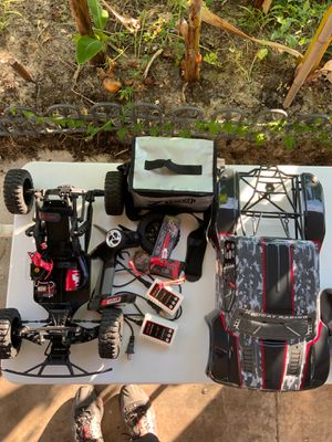 REDCAT RC - CAMO TROPHY TRUCK for Sale in Tarpon Springs, FL