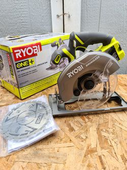 Ryobi 18-Volt ONE+ Cordless Brushless 7-1/4 in. Circular Saw (Tool Only) for Sale in Snohomish,  WA