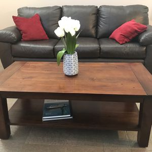 Coffee Table / for Sale in Newhall, CA
