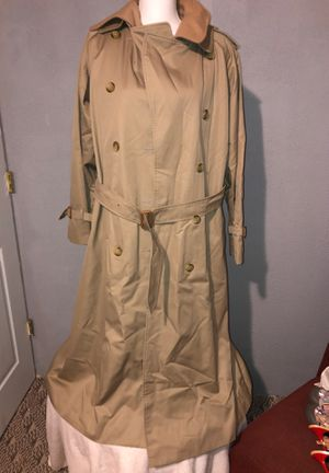 Burberry woman's XL brand new! for Sale in High Point, NC