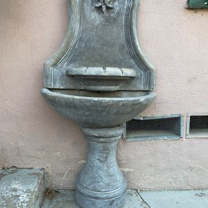 Stone Fountain for Sale in South Gate, CA