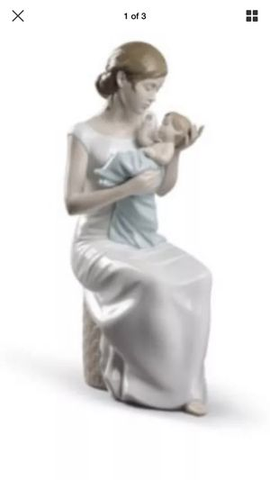 LLADRO SOOTHING LULLABY Mother & Baby #08781 Figurine NEW for Sale in Corona, CA
