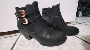 Booties size 7 for Sale in San Bernardino, CA