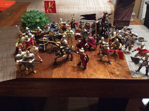Medieval ,Some Papo brand great collection over 30 figures ! Toys collectors horses nights king for Sale in Chula Vista, CA