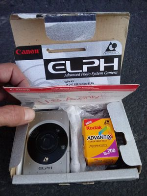 "Canon ELPH ""Advantix"" Film Camera Kit NEW- IN-BOX plus Battery! for Sale in Montclair, CA"