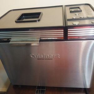 2019 CUISANART CONVECTION BREAD MAKER for Sale in Saint Paul, MN