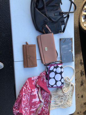 Purse and wallet set Women's 7 pieces decent quality for Sale in Manassas, VA