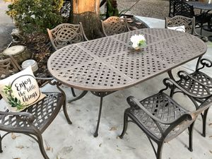 Heavy Cast Aluminum outdoor patio dining furniture set for Sale in Houston, TX