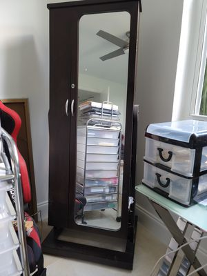 Mirror with organizer for Sale in Fort Lauderdale, FL